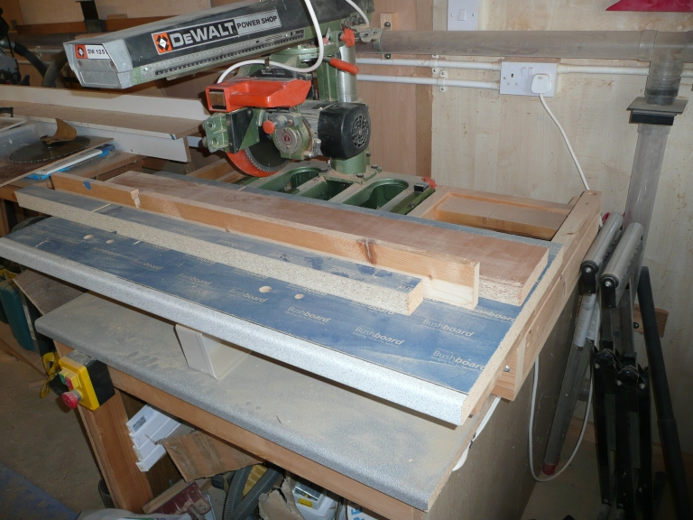 Radial Arm Saw Bench Plans http://www.ukworkshop.co.uk/forums/dewalt-radial-arm-saw-t57209.html